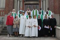 Devant l'église de Villers-Guislain