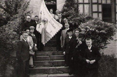 Hospitaliers et pèlerins d'Erchin fin des années 50