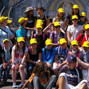 casquettes jaunes soleil