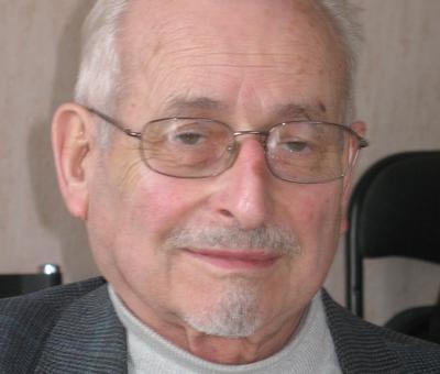 Prêtre aîné en retraite au service du doyenné. Réside à Quiévrechain