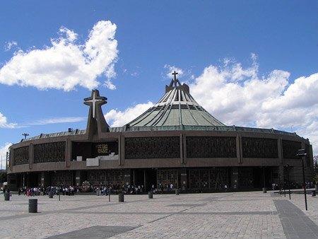 Basilique-de-la-Vierge-Guadalupe-01.jpg