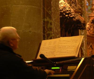 """interprétant divers chorals de J-S Bach (""""Mystère du Calvaire"""", """"Ô homme ,pleure sur tes péchés"""" ...)"""