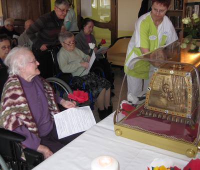 Les reliques a la maison de retraite ARIANE (4).JP
