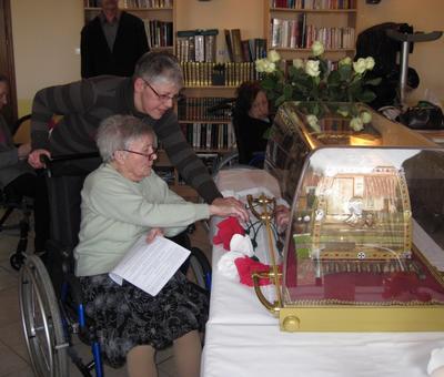Les reliques a la maison de retraite ARIANE (5).JP