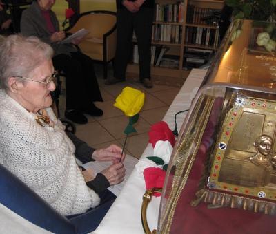 Les reliques a la maison de retraite ARIANE (6).JP