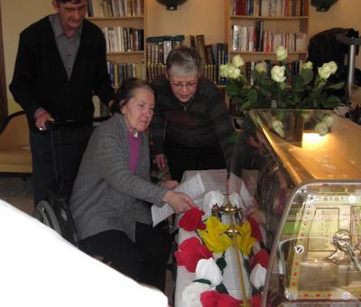 Les reliques a la maison de retraite ARIANE (7).JP