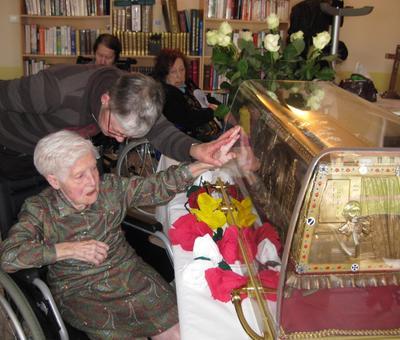 Les reliques a la maison de retraite ARIANE (8).JP