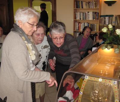 Les reliques a la maison de retraite ARIANE (9).JP