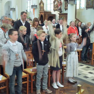 1ere communion villers guislain 5mai 2013 016