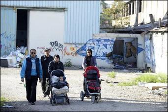 Famille 4 pix quitte avec cadre noir  .jpg