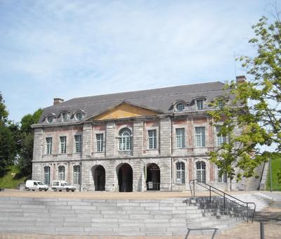 Maubeuge porte de Mons (2).JPG
