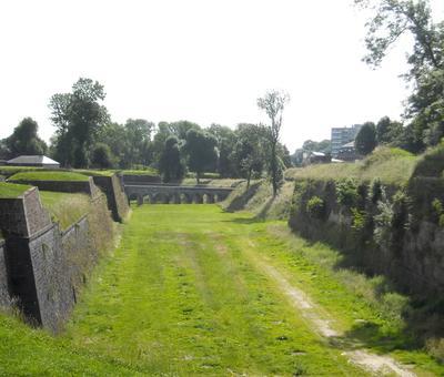 Maubeuge remparts (5).JPG