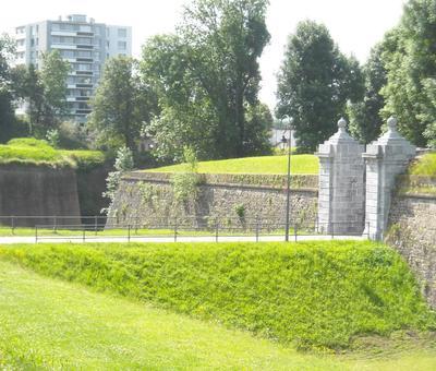 Maubeuge remparts (10).JPG