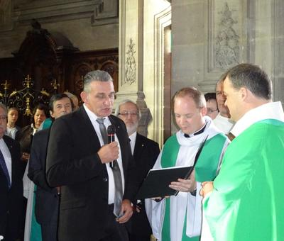 Le maire de Ramillies remet la clef de l'église St Géry