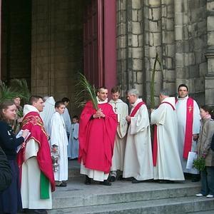 arrivée à l'église St Pierre