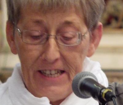 Brigitte anime les chants