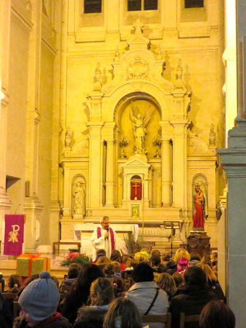 Sous le regard de Jésus ... et de St Michel