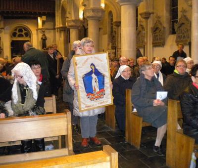 06 Procession des offrandes les equipes du Rosaire