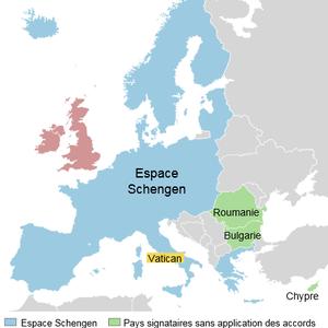 Toute personne est libre de circuler dans l'espace Schengen, qui ne comprend toutefois pas le Royaume Uni et l'Irlande