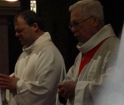 2 doyens : l'un pour les paroisses de Cambrai, l'autre pour le 'chapitre Cathedral'