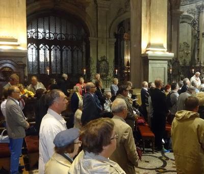 derrière l'autel