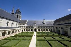 L-abbaye-de-Fontevraud_productDiaporamaImage