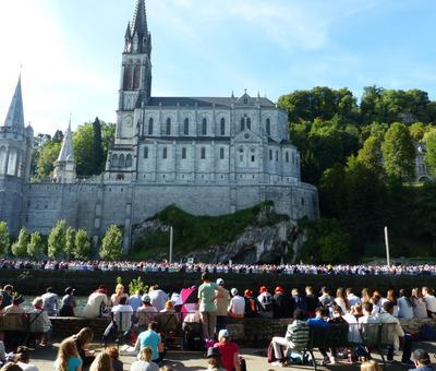 Lourdes2016_02_messegrotte 19