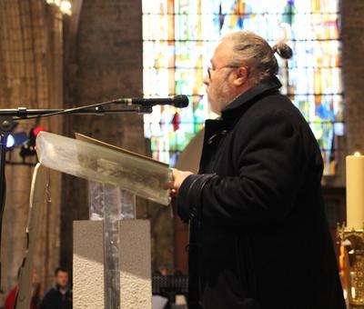 Première lecture proclamée par Philippe Gain.