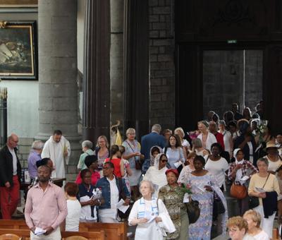 1706_Célébration de l'Eucharistie 4