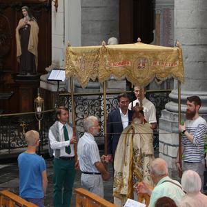 1706_Célébration de l'Eucharistie 5