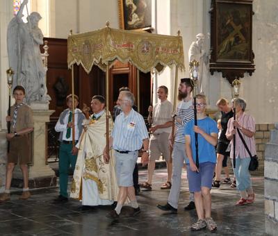 1706_Célébration de l'Eucharistie 6