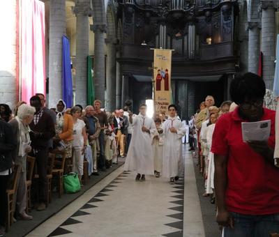 1706_Célébration de l'Eucharistie 14