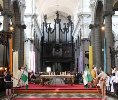1706_Célébration de l'Eucharistie 25