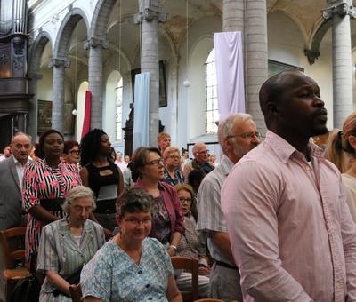 1706_Célébration de l'Eucharistie 28