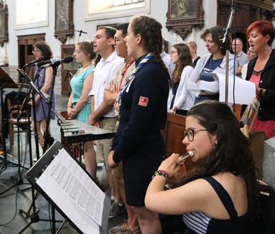 1706_Célébration de l'Eucharistie 30