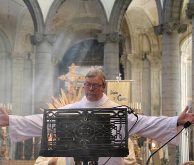 1706_Célébration de l'Eucharistie 36