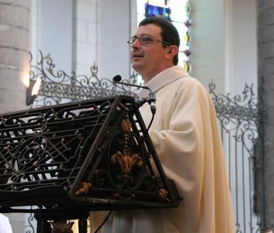 1706_Célébration de l'Eucharistie 39