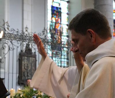 1706_Célébration de l'Eucharistie 44