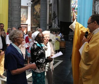1706_Célébration de l'Eucharistie 52