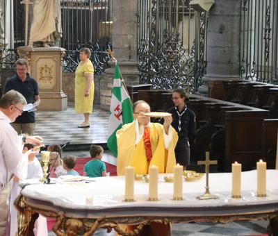 1706_Célébration de l'Eucharistie 57