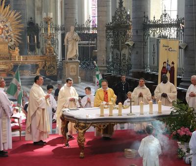 1706_Célébration de l'Eucharistie 65