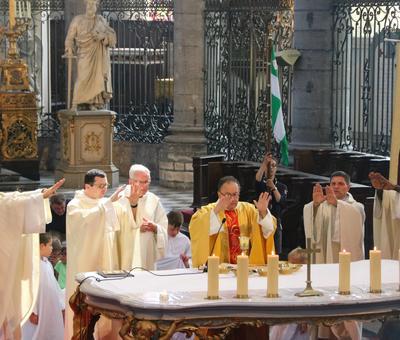 1706_Célébration de l'Eucharistie 66