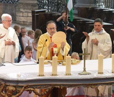 1706_Célébration de l'Eucharistie 67