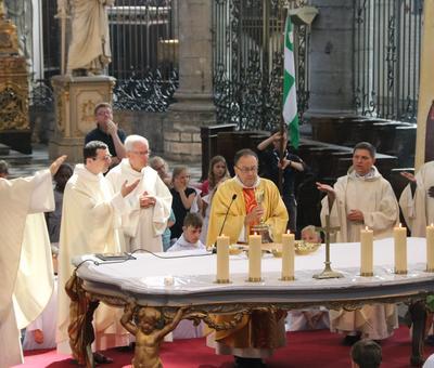 1706_Célébration de l'Eucharistie 69
