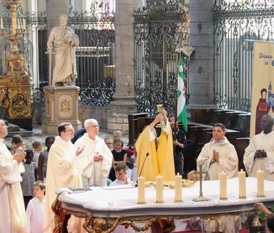 1706_Célébration de l'Eucharistie 70