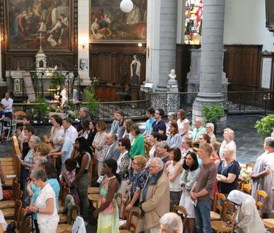 1706_Célébration de l'Eucharistie 71
