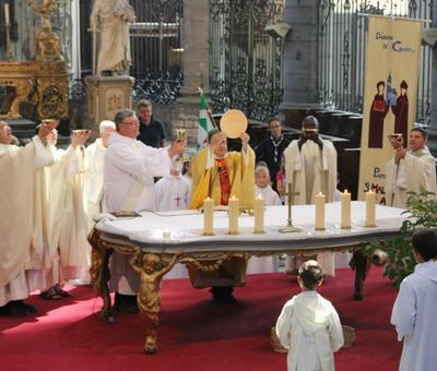 1706_Célébration de l'Eucharistie 72