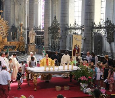 1706_Célébration de l'Eucharistie 73