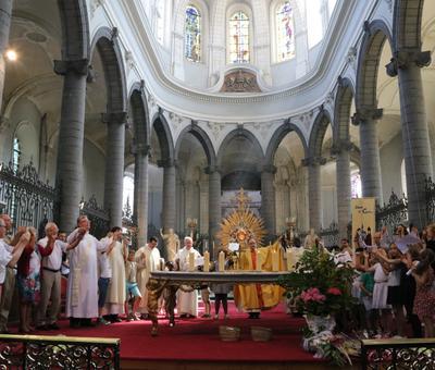 1706_Célébration de l'Eucharistie 75