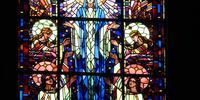 le vitrail de l'Assomption de Marie